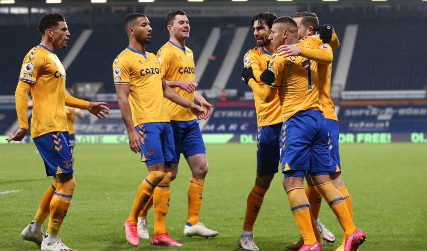 4 por 4: Richarlison marca de novo e Everton chega...