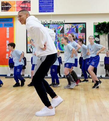 Escola de Dança com Richarlison e Mina