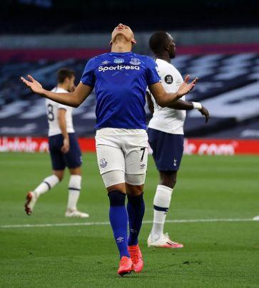 Tottenham x Everton