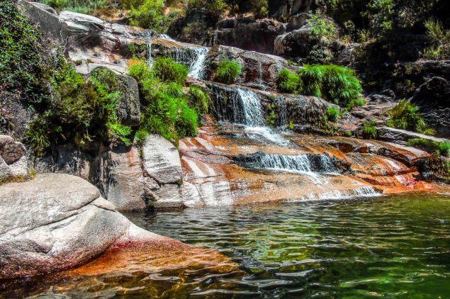 Walking tours to the Serra waterfalls