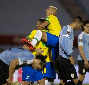 Richarlison x Uruguai 04