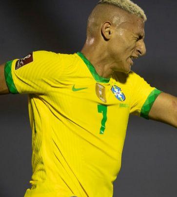 Uruguai 0 x 2 Brasil
