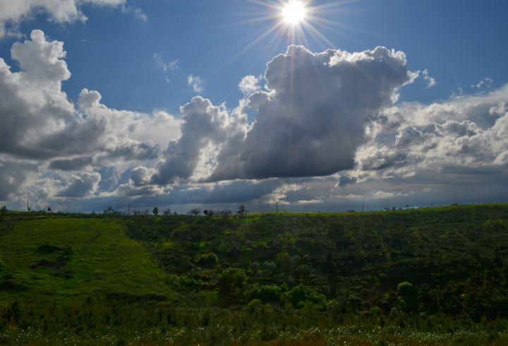 Nuvens terreno barragem QB